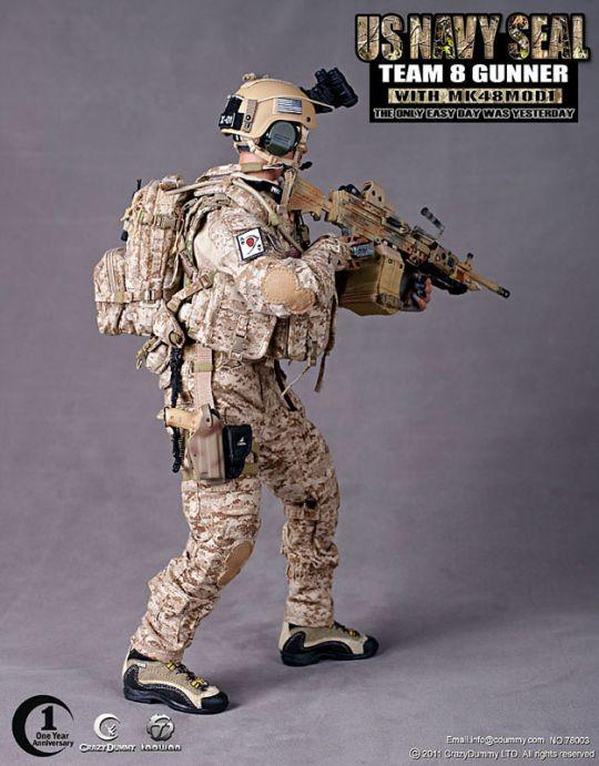 US NAVY SEAL Team 8 Gunner with MK48 Mod1 CRAZY DUMMY
