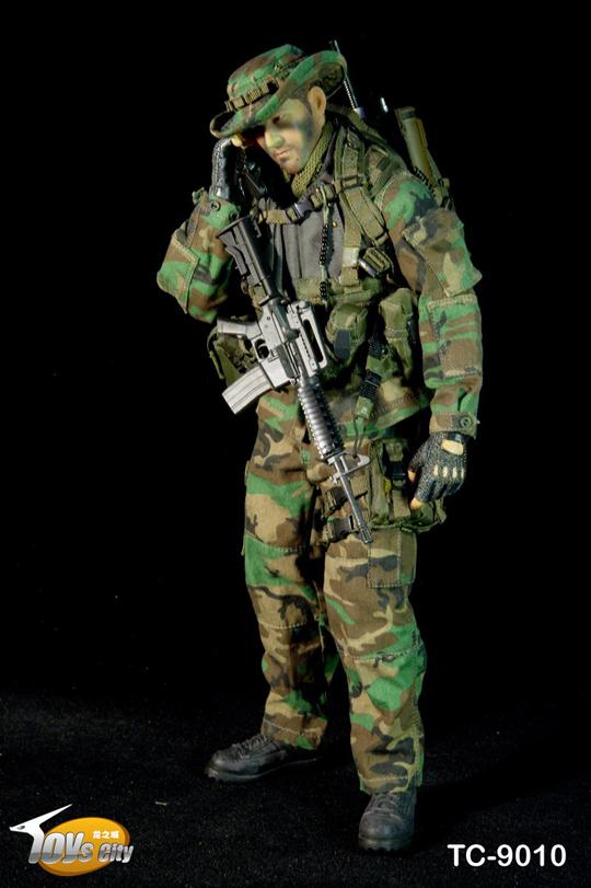 Toys city US Navy Seal Jungle ops SATCOM radio 1//6 Dragon Soldier Joe DID TC9010